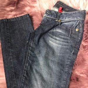 Guess skinny jeans with embellishments on back